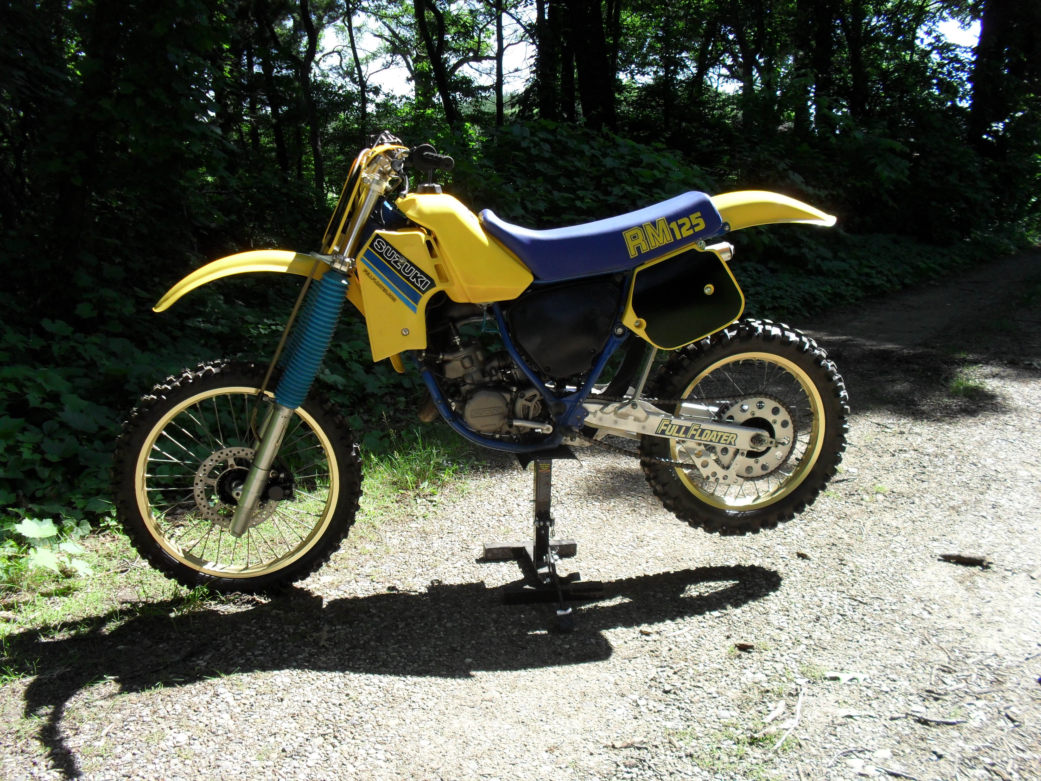1985 suzuki rm125 rm 125 restoration. Black Bedroom Furniture Sets. Home Design Ideas