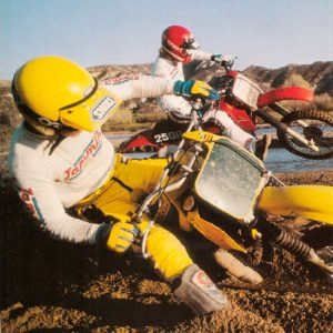 Motorcyclist - March 1982 RM250Z VS. CR250R