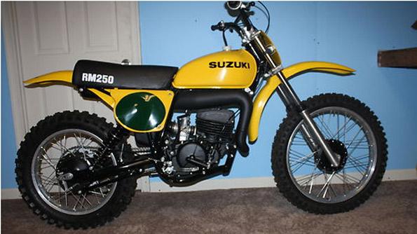 1976-SUZUKI-RM250-NOS
